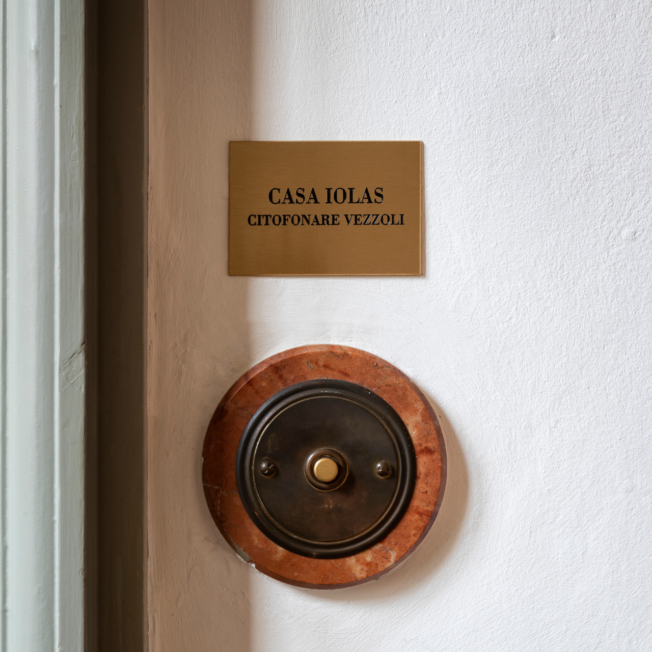 Cartoline da PCM Studio | Galleria Tommaso Calabro | Casa Iolas. Citofonare Vezzoli | Francesco Vezzoli